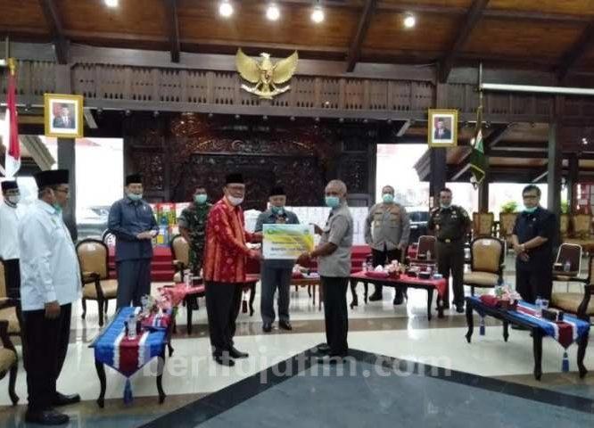 Unisma Sumbang Bahan Pokok untuk Warga Kabupaten Malang
