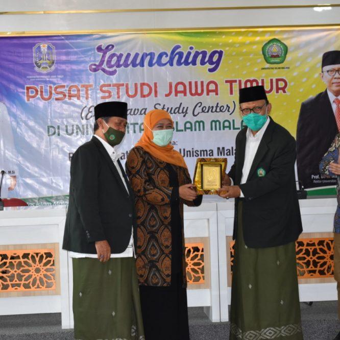 Gubernur Khofifah Resmikan Pusat Studi Jawa Timur di Unisma